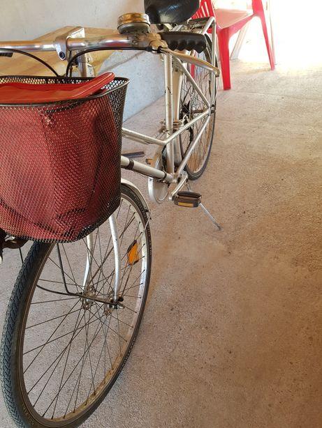 Vând bicicletă Damă din aluminiu