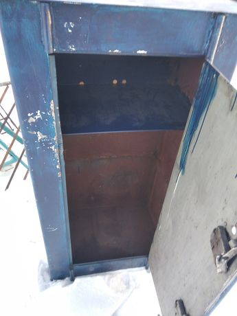 Продам сейф высота 150см ширина 70см в хорошем состоянии два замка ...