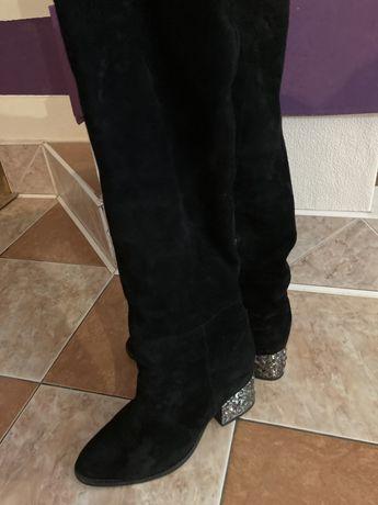Продам зимние замшевые женские сапоги размер 40.