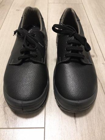Работни обувки с желязо размер 45 НОВИ