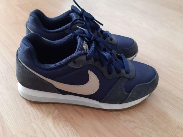 Adidasi Nike marime 35,5
