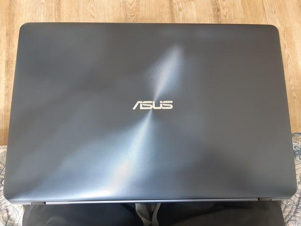 Ноутбук  ASUS VivoBook17