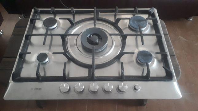 Газовая плита Bosch.