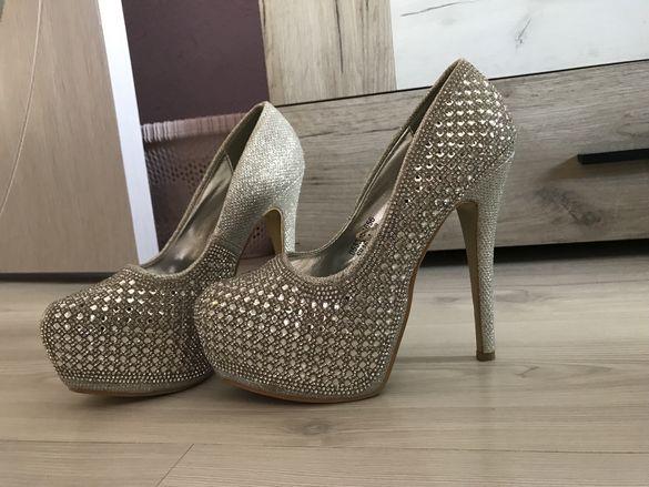Дамски обувки/Висок ток