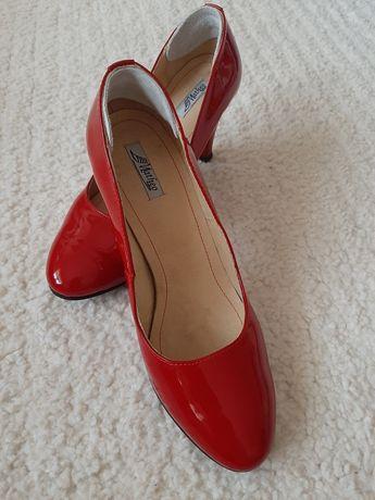 Pantofi piele lacuita, marimea 39