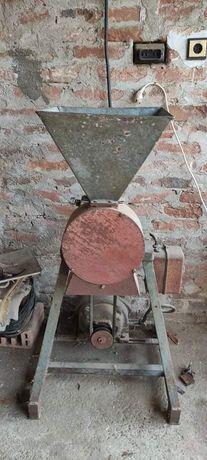 Фуражомелка - трифазен двигател