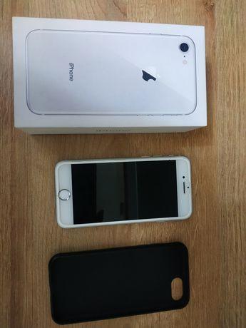 Продам Iphone 8, 64 gb