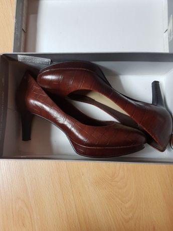 Маркови обувки със стелка АДИДАС