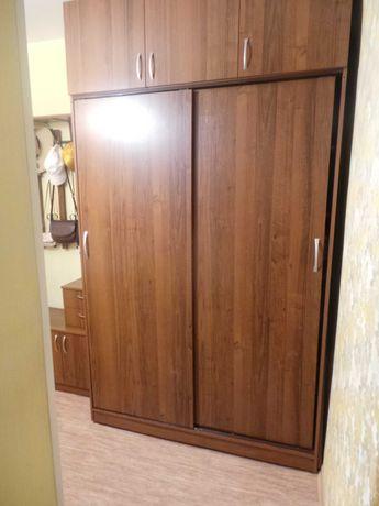 Продам шкаф-купе + вешалка + тумба для прихожей!