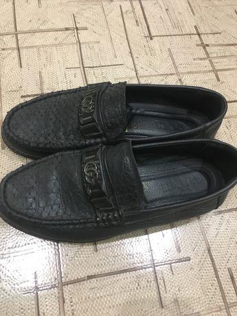 Мужская кожаная обувь мокасины