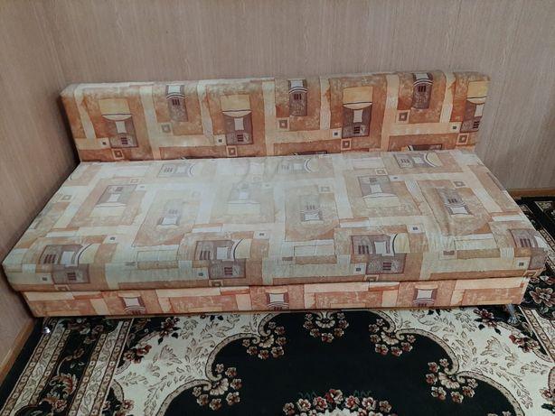 Продам диваны накладные