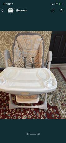 Срочно продам детский стол для кормления