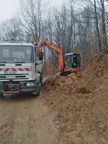 Execut săpături fundați decopertărÎnchiriez mini excavator +bascula