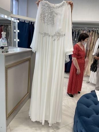 Продам платье размер 44-46