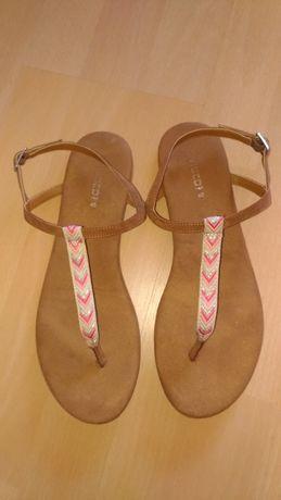 Vând sandale H&M