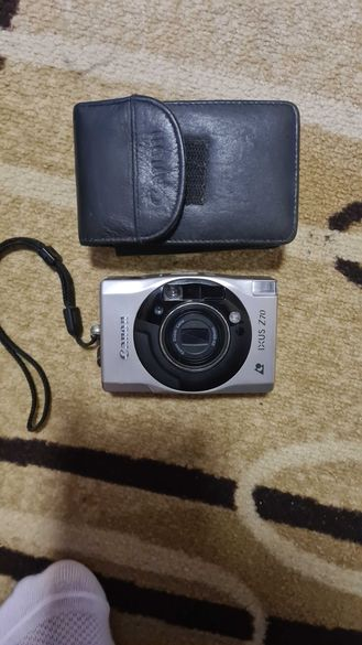 Продавам фотоапарат CANON IXUS Z70.