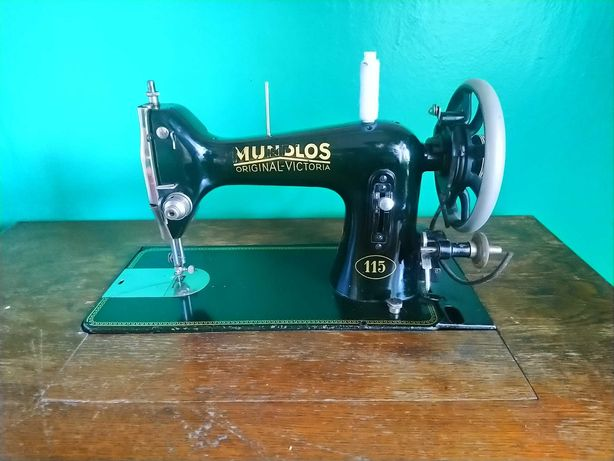 Швейная машина Singer