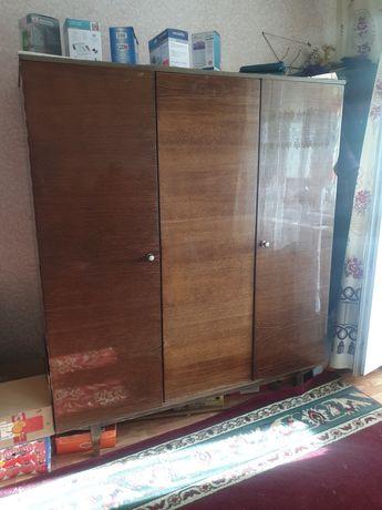 Отдам мебель, шкаф, комод, кухонный гарнитур