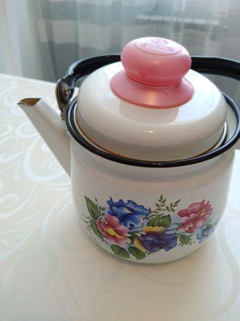Продам эмалированный чайник
