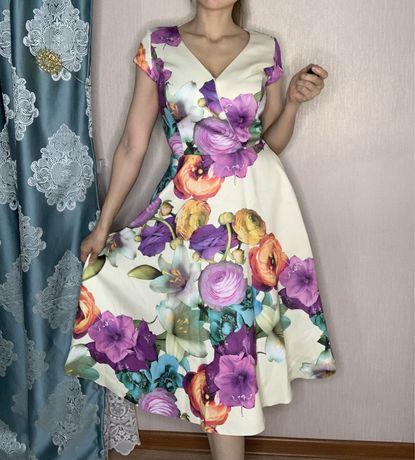 Продам брендовое платье дешево
