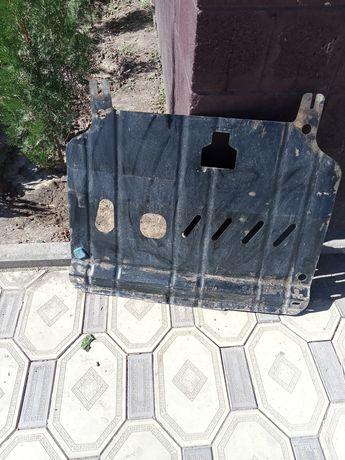 металическая зашита картера  на автомобили киа рио или хюндай солярис,
