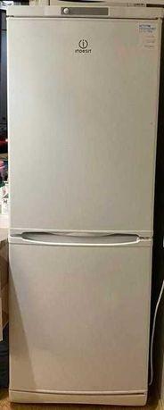 Срочно продам холодильник Indesit