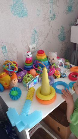 Игрушки- развивашки,полная коробка