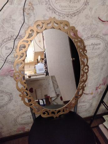 Зеркало ручной работы овальное