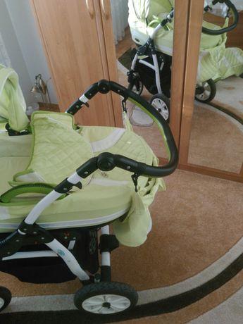 Продавам бебешка количка Carrera 3 в 1