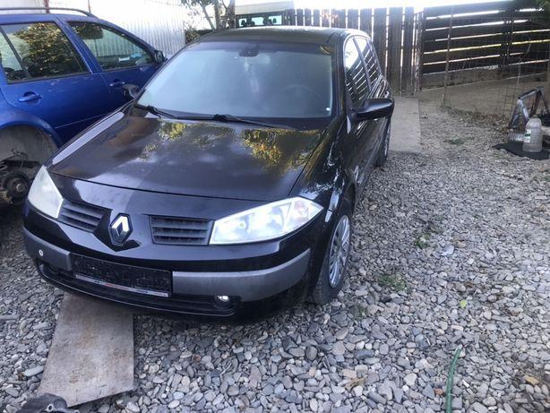 Dezmembrez Renault Megane 1.9 DCI.