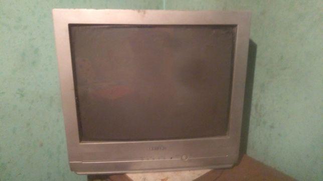 Vând 3 televizoare