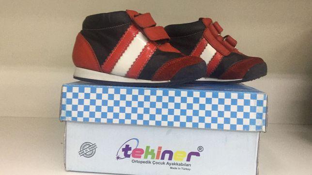 Продам детские ботинки на девочку