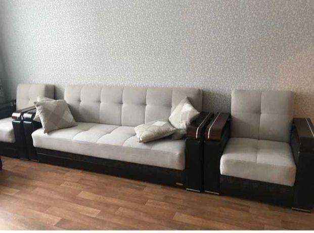Мягкий гарнитур диван и 2 кресла