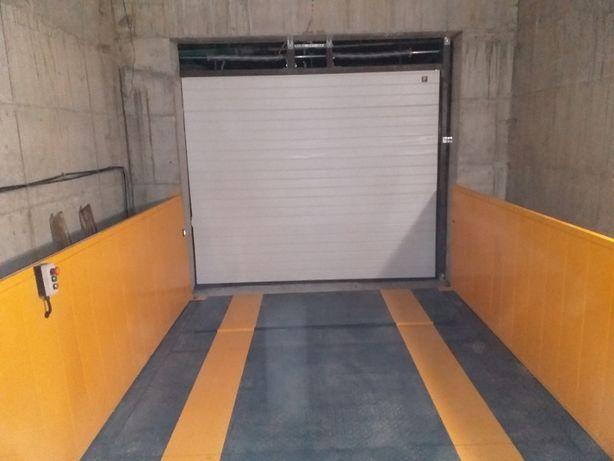 Garaj/Parcare privata - Campus - Universitate