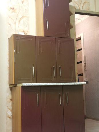 Кухонные шкафы стол+навесной шкаф и боковой
