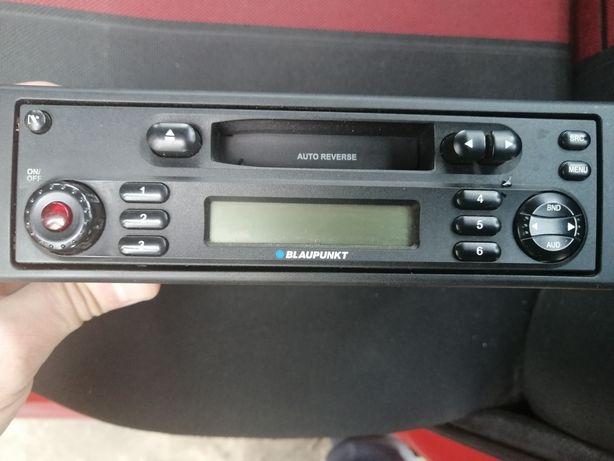 Vând radio casetofon auto marca Blaupunkt