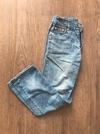 Продам джинсы светло-голубой для мальчиков
