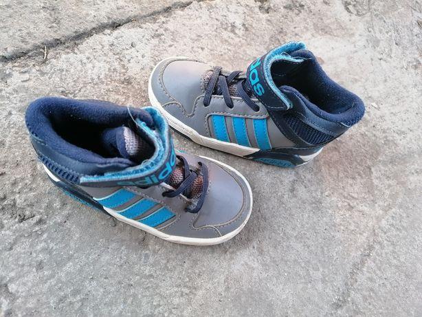 Adidas mărime 22