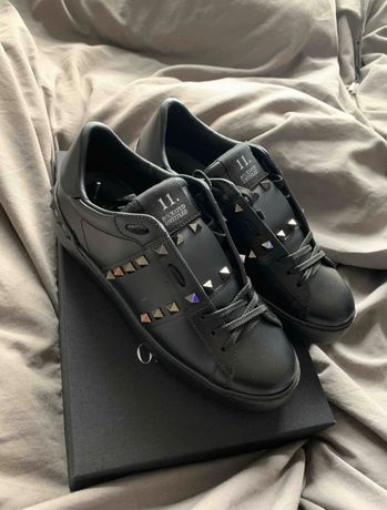 Pantofi sport Valentino Garavani Rockstud Untitled noi 37