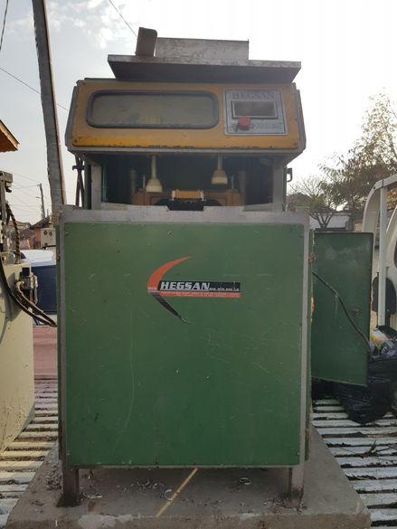 Машина за зачистване на пвц дограма