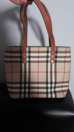 Burberry geanta .