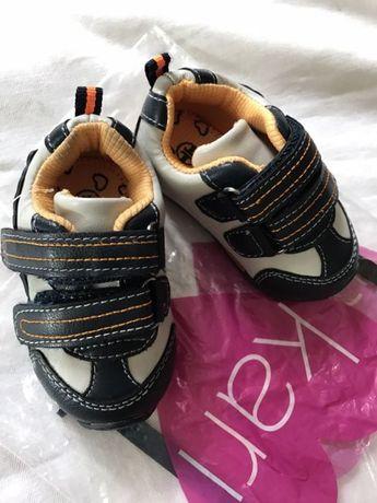 Новые детские кожаные кроссовки