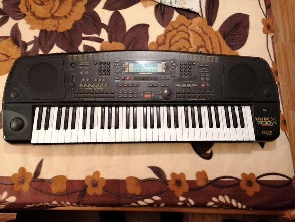 Продавам клавир Gem WK2