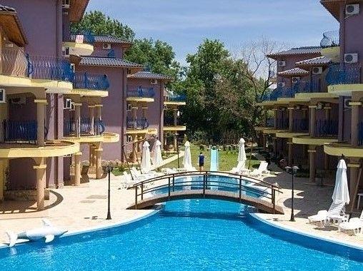 """Самостоятелен апартамент на къмпинг Градина в комплекс с басейн """"Garde"""