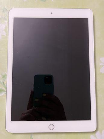 iPad 6го поколения, 32 gb, wifi