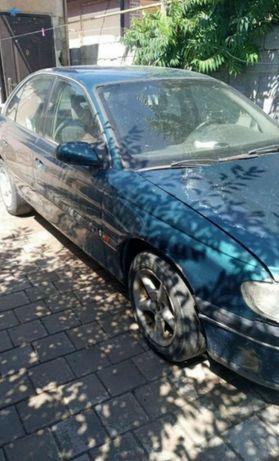Машина. Opel Omega.