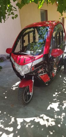 Moped electric nou