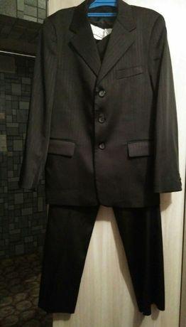 костюм школьный