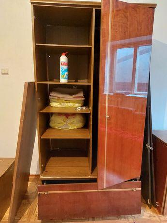 Шкаф с тумбами польская