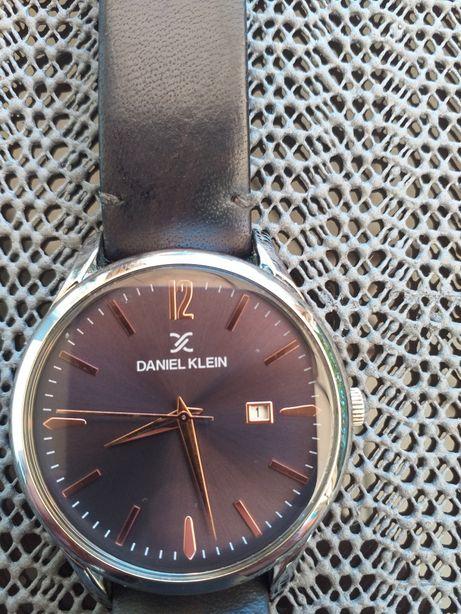 Ceas elegant Daniel Klein